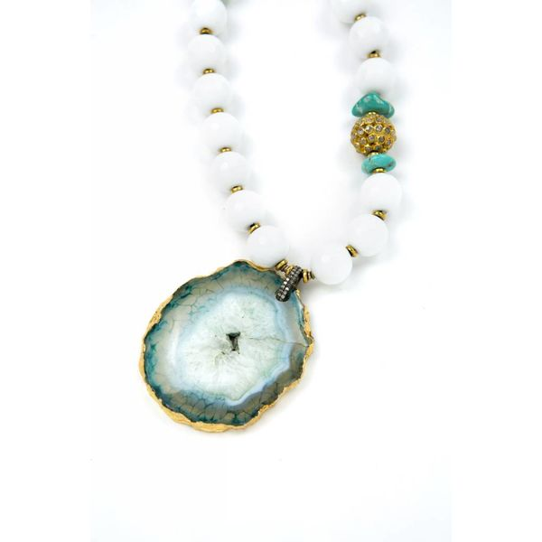 GOLD-RIMMED AGATE PENDANT NECKLACE