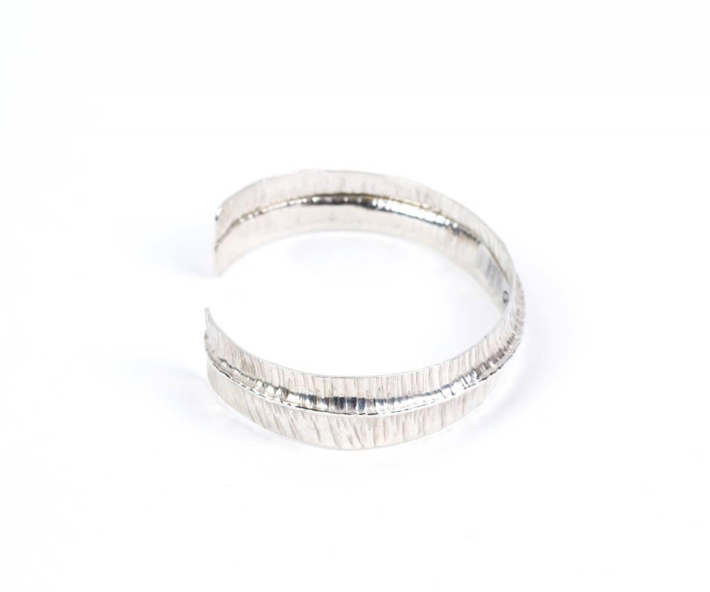 Ridge Way-Cuff bracelet