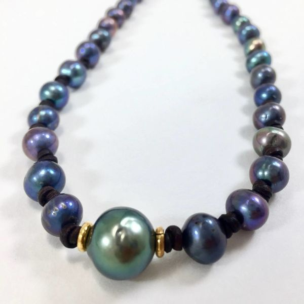 KNOTTED PEARL CHOKER