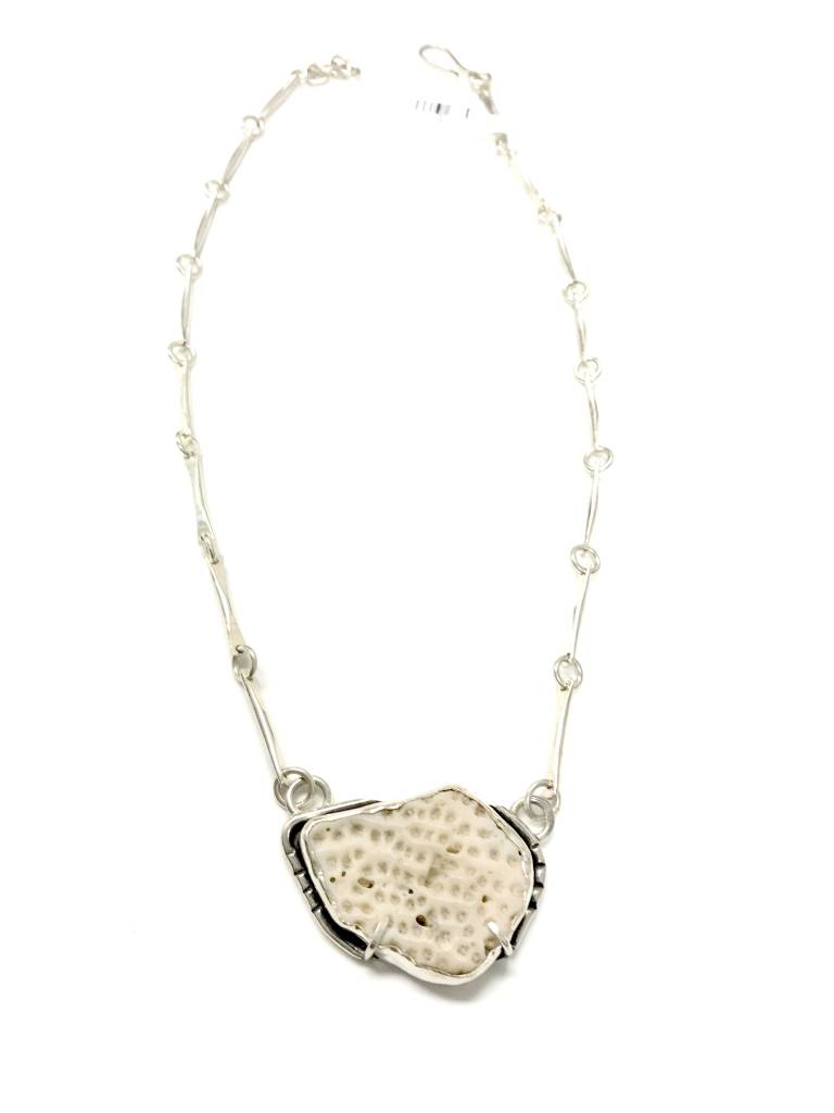 """Necklace Coral from """"Mar de Plata"""""""