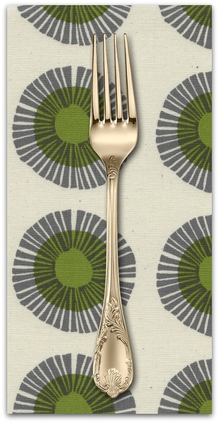 PD's Jen Hewitt Collection Imagined Landscapes, Seaside Daisy in Sage Unbleahed Cotton, Dinner Napkin