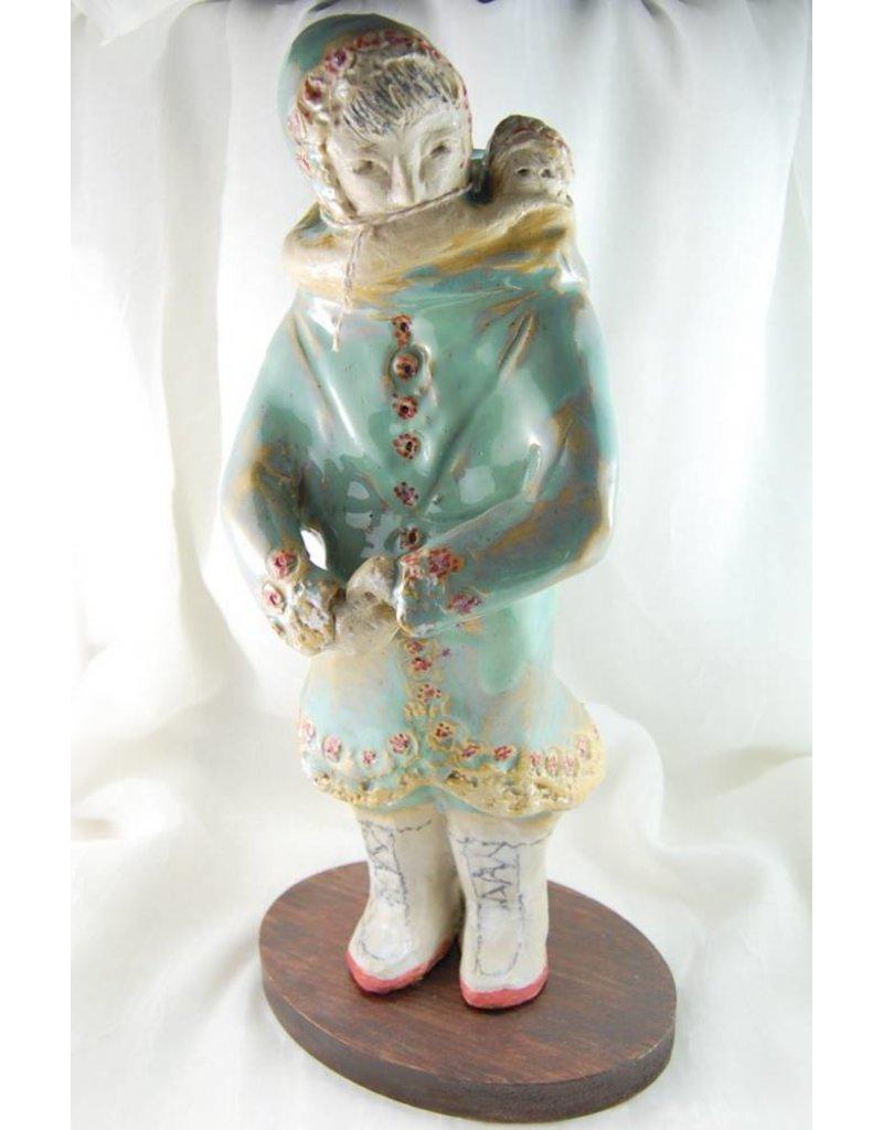 Bonnie Stamos Femme inuit et enfant 30