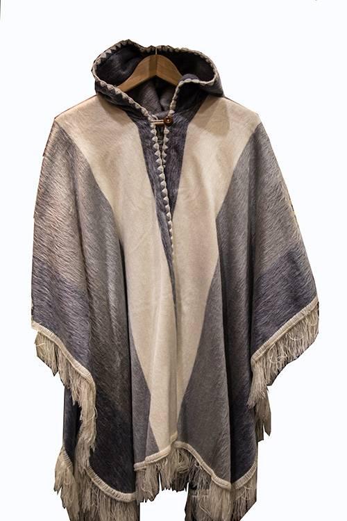 Poncho à capuche en laine d'Alpaga