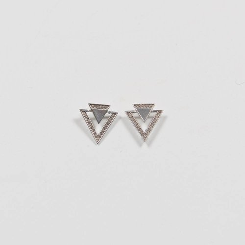 AMORIUM GEO TRIANGLE EARRING