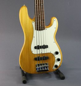 Squier USED Fretless Precision Bass 5 String