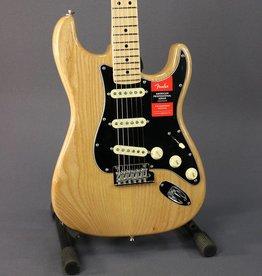 Fender American Professional Stratocaster (389)