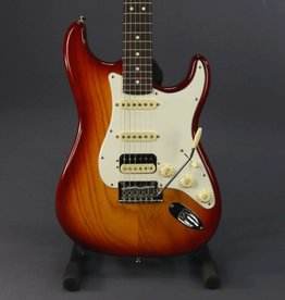 Fender USED Fender American Professional Stratocaster HSS (106)