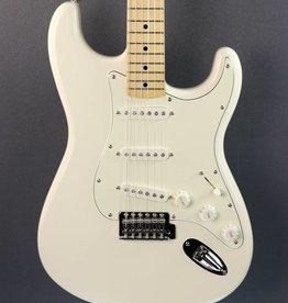 Fender DEMO Fender Standard Stratocaster - Arctic White (187)