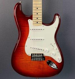 Fender DEMO Fender Standard Plus Top Stratocaster - Aged Cherry Burst (372)