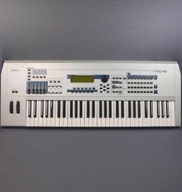 Yamaha USED Yamaha MO6 61-Key Music Production Synthesizer (152)