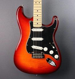 Fender DEMO Fender Player Stratocaster Plus Top - Aged Cherry Burst (250)