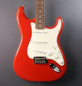 Fender DEMO Fender Player Stratocaster -  Sonic Red (823)