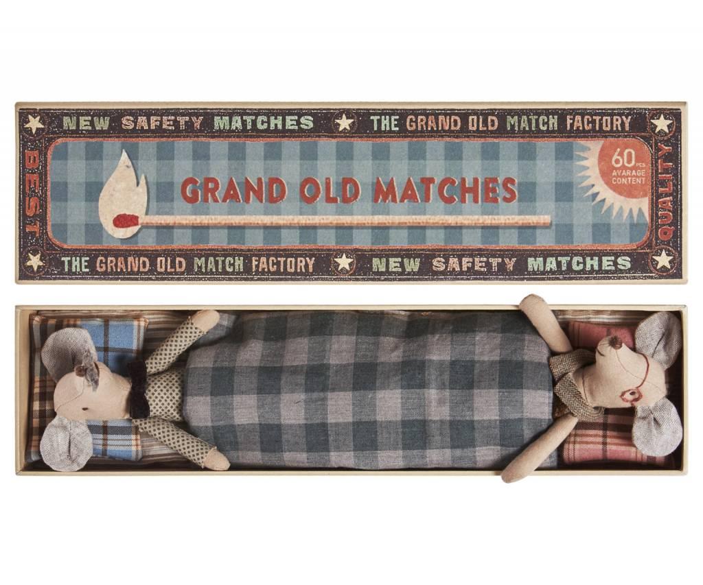 MAILEG Grandma and Grandpa in Matchbox