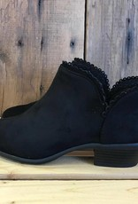 Black Scalloped Weekend Bootie