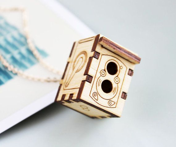 iluxo Rolleiflex Camera Locket Necklace