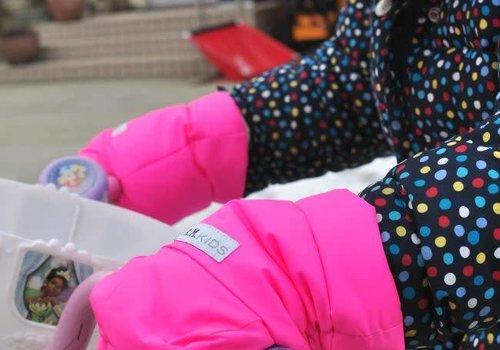 7 AM 7 A.M. Enfant Handmuffs Warmmuffs Fleece Lined In Candy