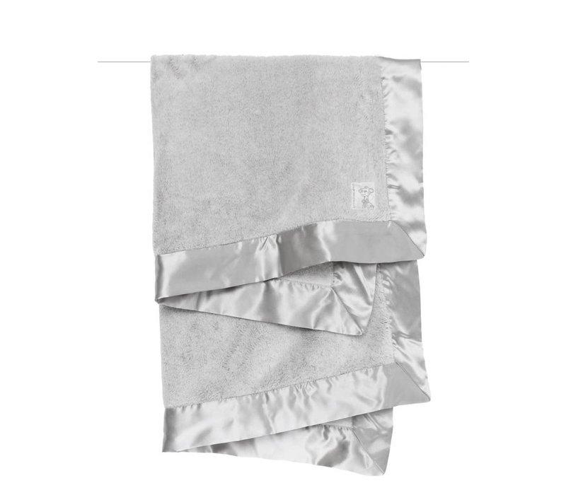 Little Giraffe Powder Plush Blanket In Silver