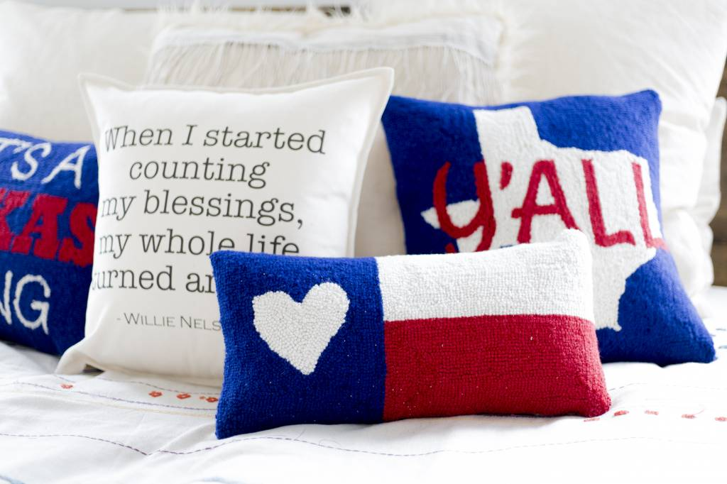 Peking Handicraft Texas Flag Heart Pillow