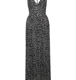 dex spaghetti strap v neck maxi dress