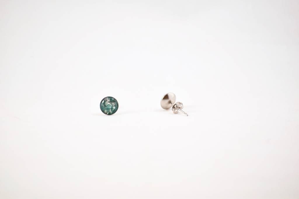 Cameoko Resin Stud Earrings | cameoko