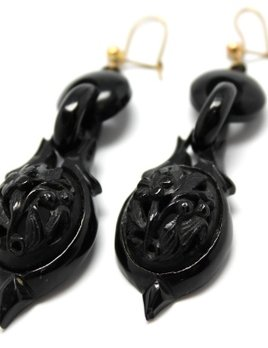 B.M.V.A. Antique Victorian Carved Jet Drop Earrings - Floral - L6.5cm c1890