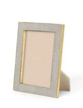 "Aerin AERIN - Classic Embossed Shagreen Frame - Dove Grey 5x7' - Dims 8.5""x6.5""x1.3"""