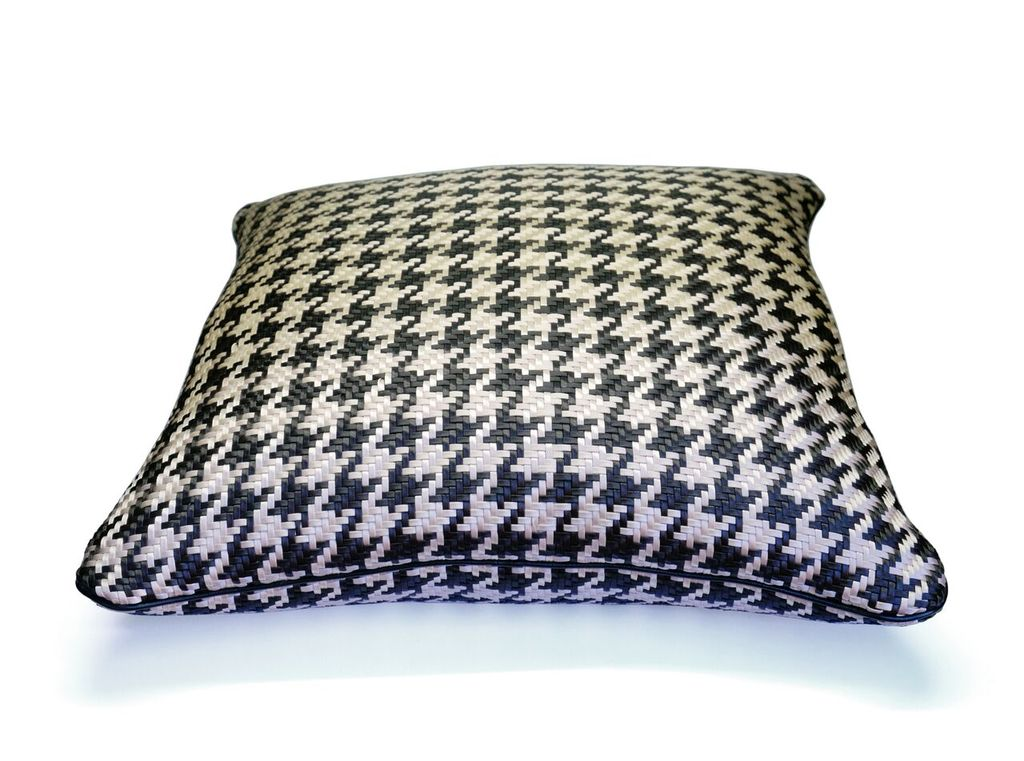 riviere Riviere - Woven Cushion - Black and ivory houndstooth with leather piping - Handmade in Italy - 50x50