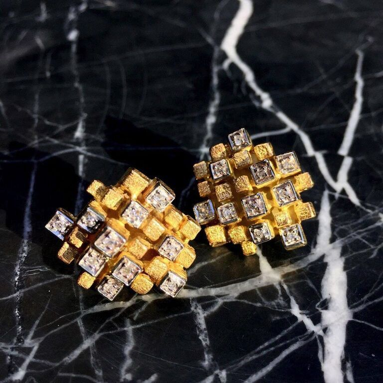 B.M.V.A. Vintage 18ct Yellow Gold and diamond earrings - 20 Round Diamonds= .40ct - Stamped J. Rossi c1960