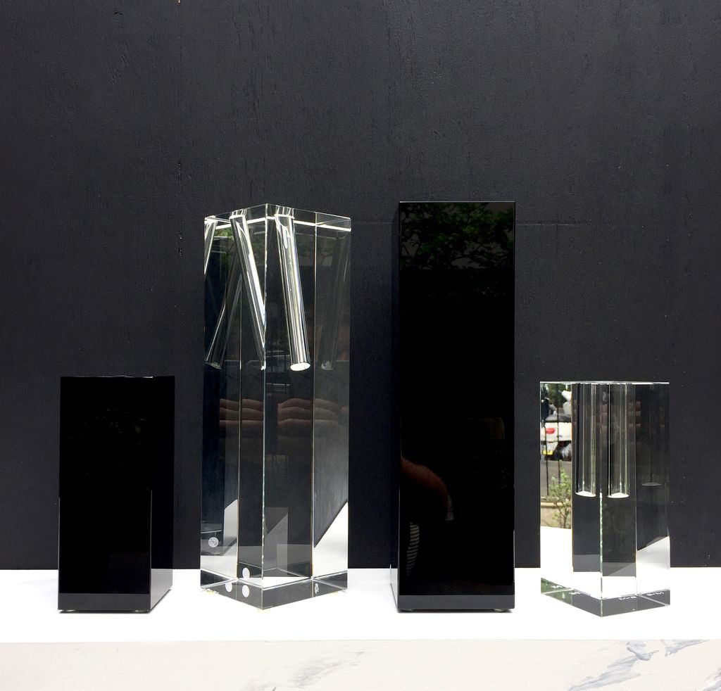 BECKER MINTY BECKER MINTY Cubik Collection - Tall Angled Single Stem Vase - Crystal Glass - Dark Topaz - 10x10x35cm