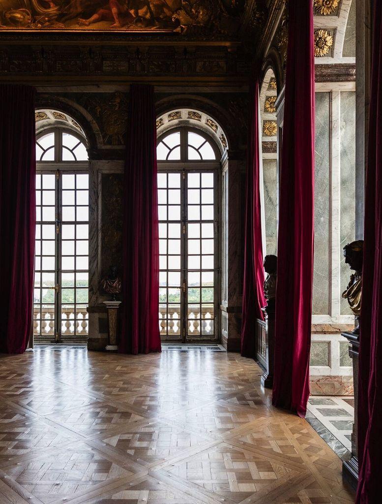Felix Forest Photograph - (V6) Chateau de Versailles VI, 2015