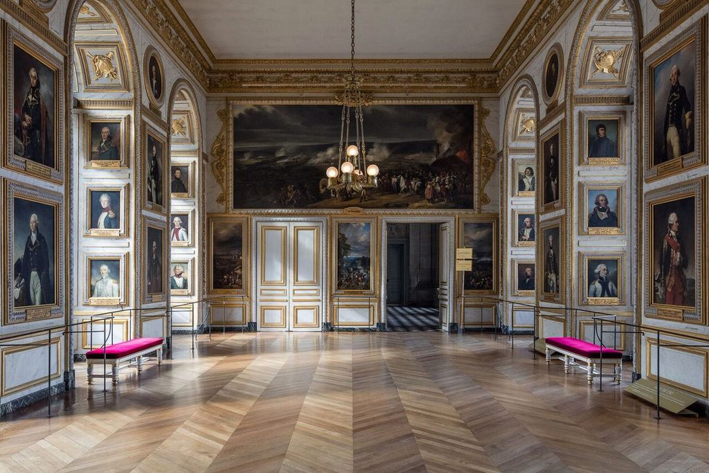Felix Forest Photograph - (V7) Chateau de Versailles VII, 2015