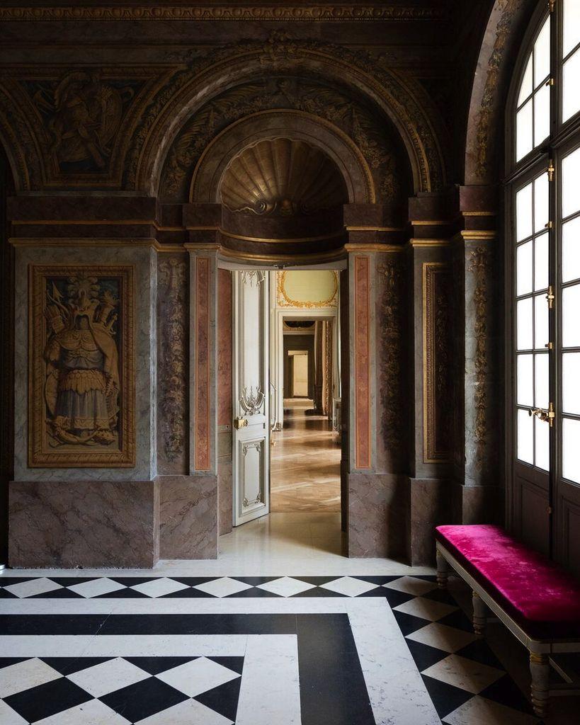 Felix Forest Photograph - (V10) Chateau de Versailles X, 2015