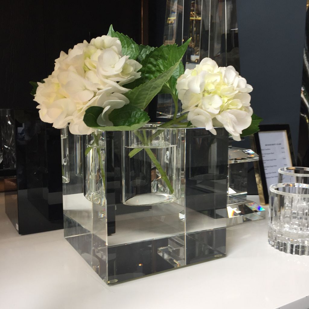 BECKER MINTY BECKER MINTY - Extra Large Cube Vase - Crystal Glass - Clear - H18x18x18cm