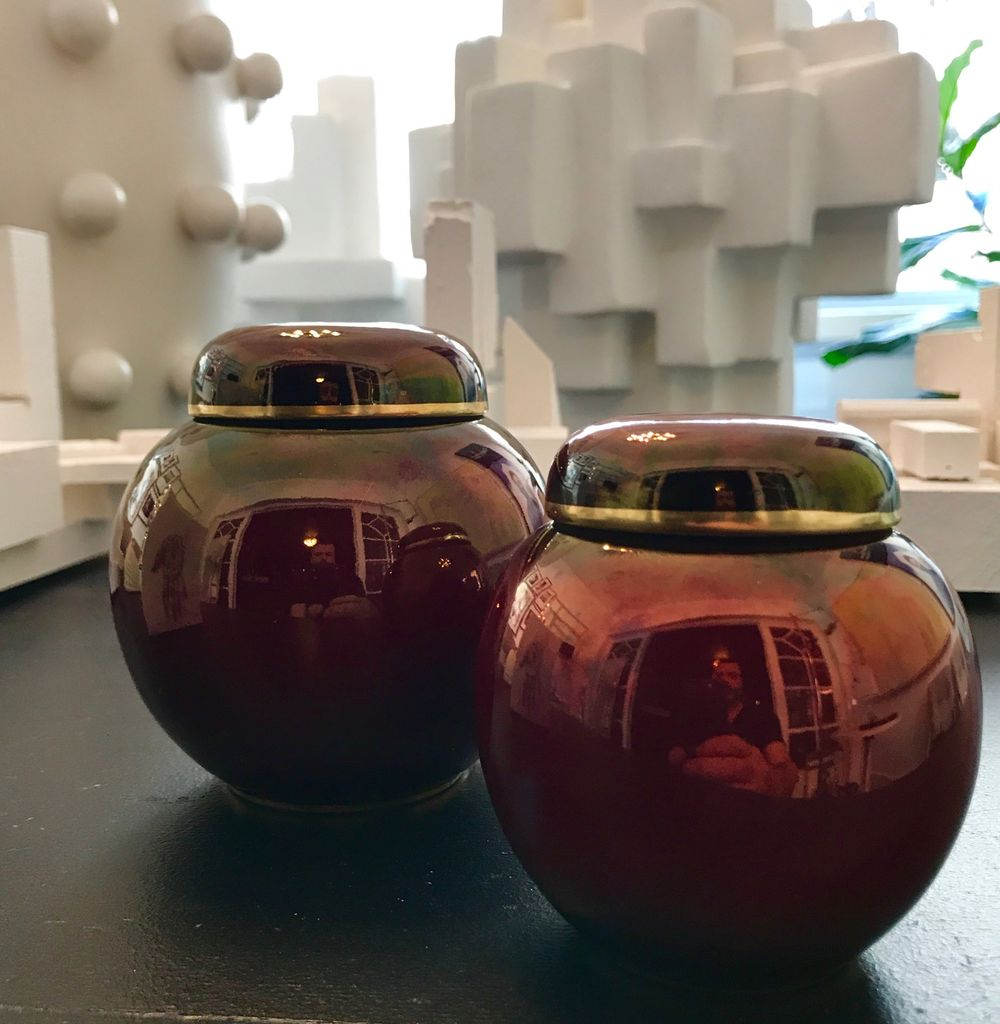 B.M.V.A. Vintage Pair of Rouge Royal Carlton Ware Ginger Jars H10cm & 8.5cm