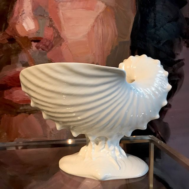 B.M.V.A. Vintage Wedgwood Conch Shell Centre Piece - 18x23x16cm