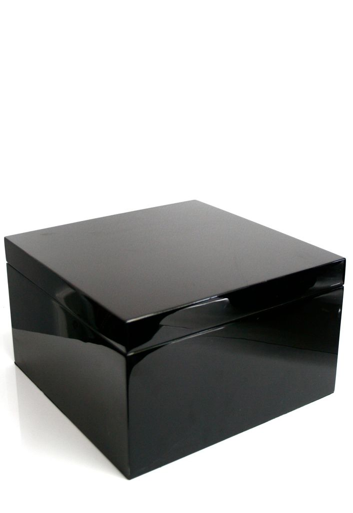 BECKER MINTY - Black Lacquer Box - 27x27x16cm