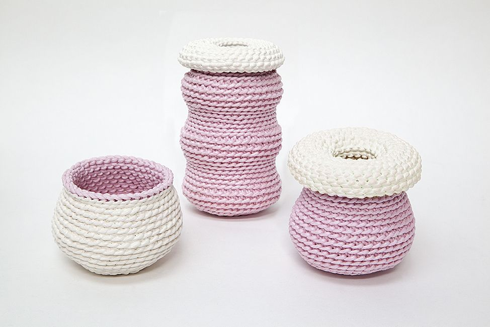 2 by lyn and tony GRAPHICA - Small Ceramic Dipped Woven Cotton Handpainted Vessel by 2 by Lyn&Tony - White with Pink Interior - 7x7cm