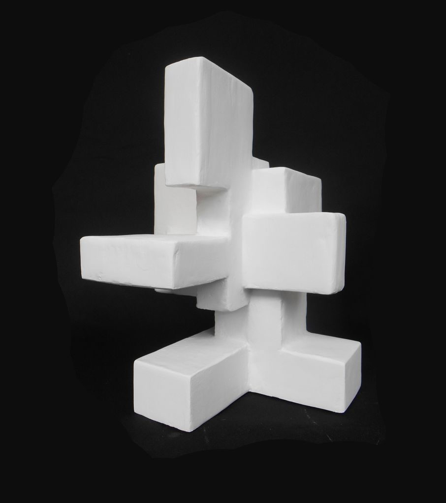 Dan Schneiger Dag - Dan Schneiger Geometric Free Standing Sculpture - White Resin Coated Recycled Materials - H36cm