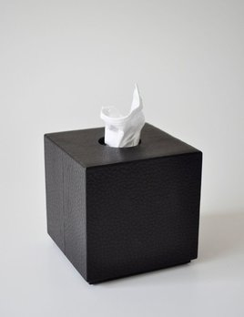 Michael Verheyden Michael Verheyden - Squared Tissue Box Cover in Black Leather - W 13,5CM X H 13,5CM X D 13,5CM