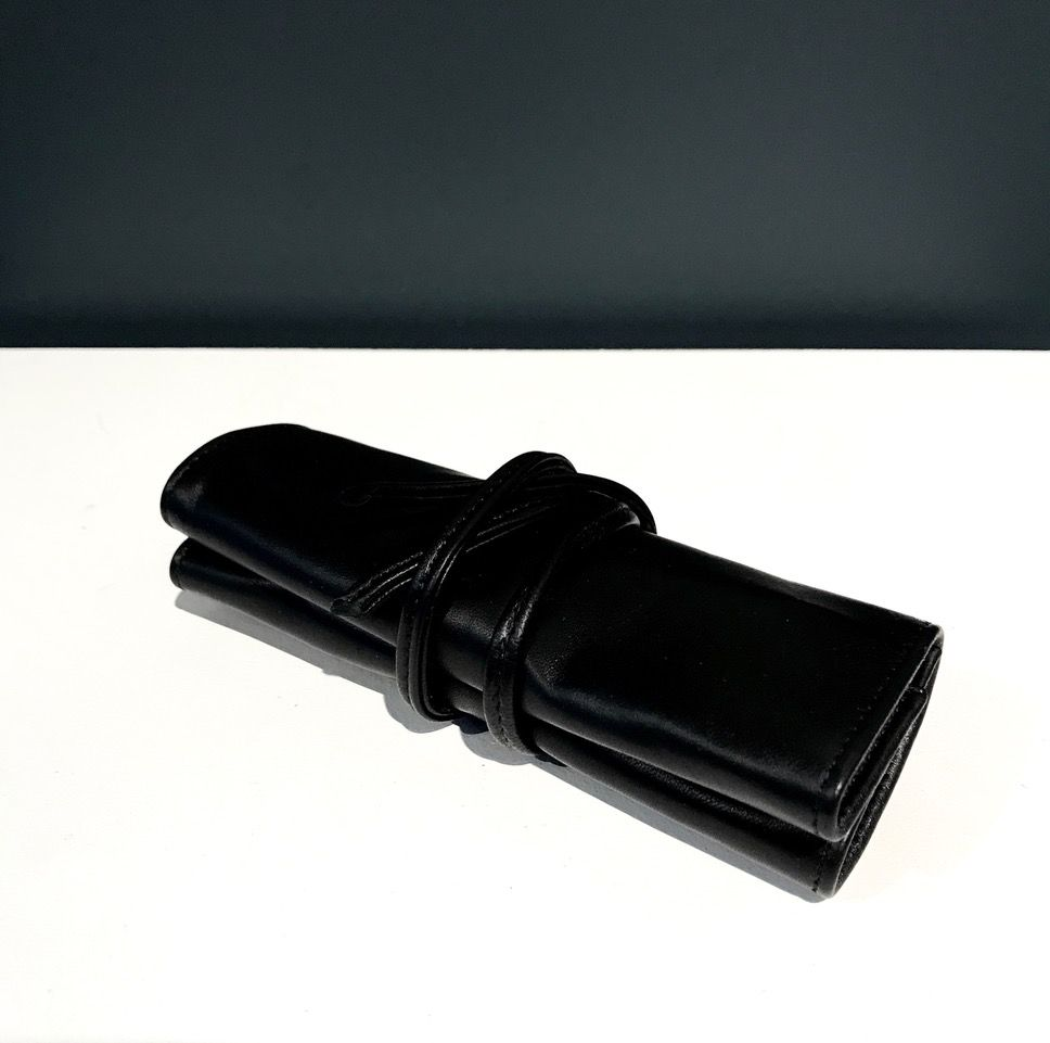 Luxury Lambskin Manicure Roll - Black - Germany