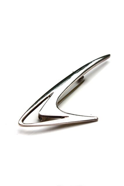B.M.V.A. Solid Silver Brooch - Small Flying Boomerang Shape with Cut-Out Section - Poul Warmind - Kirke Saby, Denmark c.1970