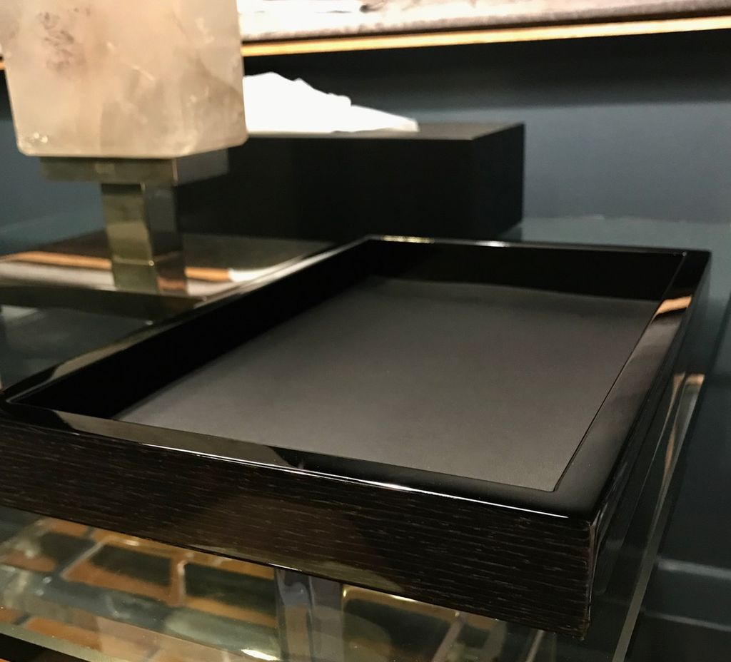 BECKER MINTY BECKER MINTY - Wooden Bedside or Catch All Tray - Black Apricot Edge, Black Lacquer Interior - (30x20x3cm)