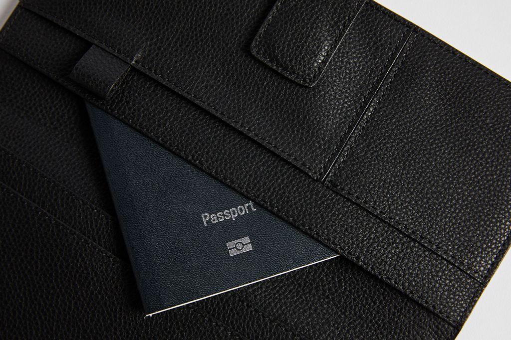 PAQME PAQME Passport Wallet - Leather - Blk