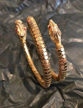 Vintage Gold Mesh Snake Bangle