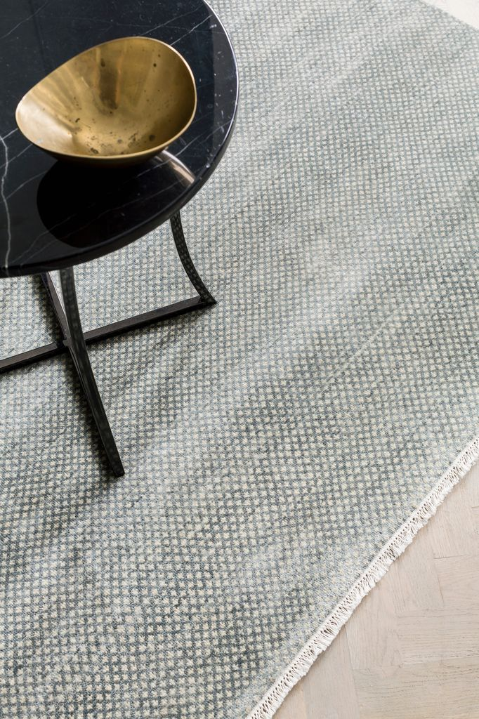 Armadillo & Co - LEILA - Persian Knot Rug - Heirloom Collection - Wool - Opal & Ivory - 2.7x3.6m - Handmade in India Under Fair Trade Standards