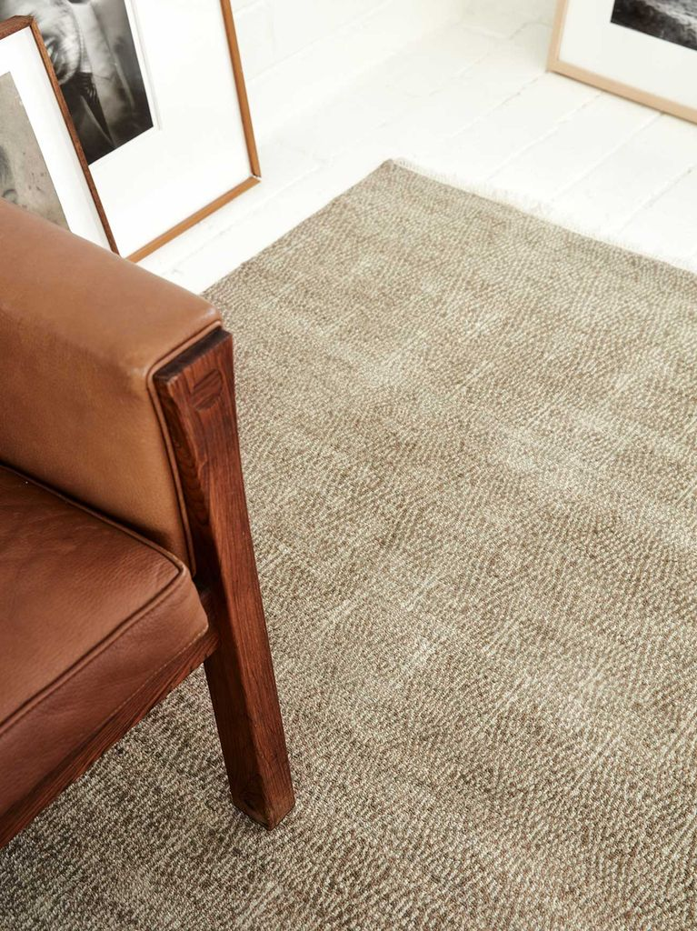 Armadillo & Co - PARAGON - Heirloom Collection - Wool - Sepia - 2.7x3.6m - Handmade in India Under Fair Trade Standards