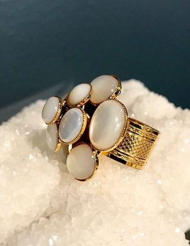 Philippe Ferrandis Philippe Ferrandis - Mother of Pearl Flower Ring - Gold Plated - Made in France