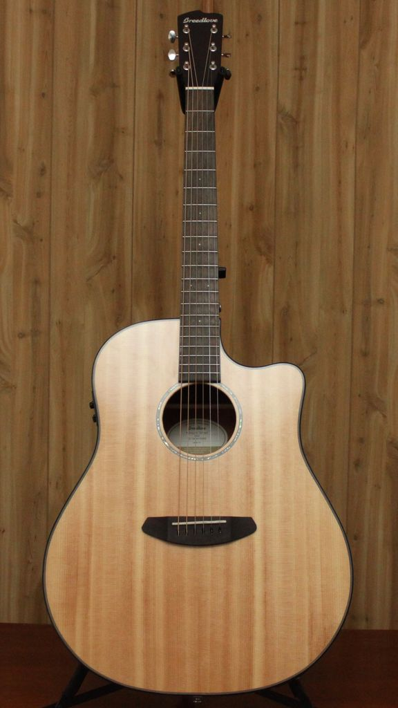 Breedlove Breedlove Pursuit Dreadnought Acoustic/Electric<br />Great For Vocal Accompaniment