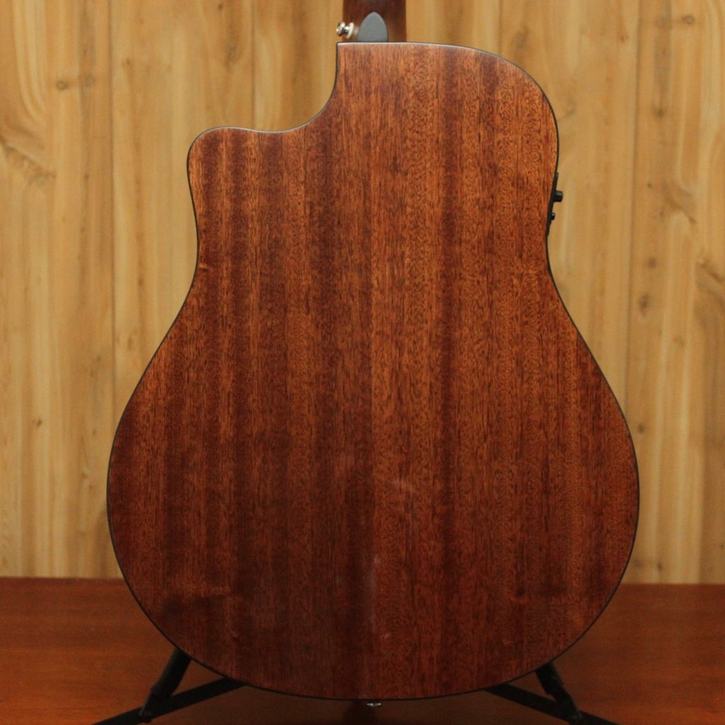 Breedlove Breedlove Discovery CE Dreadnought in Sunburst