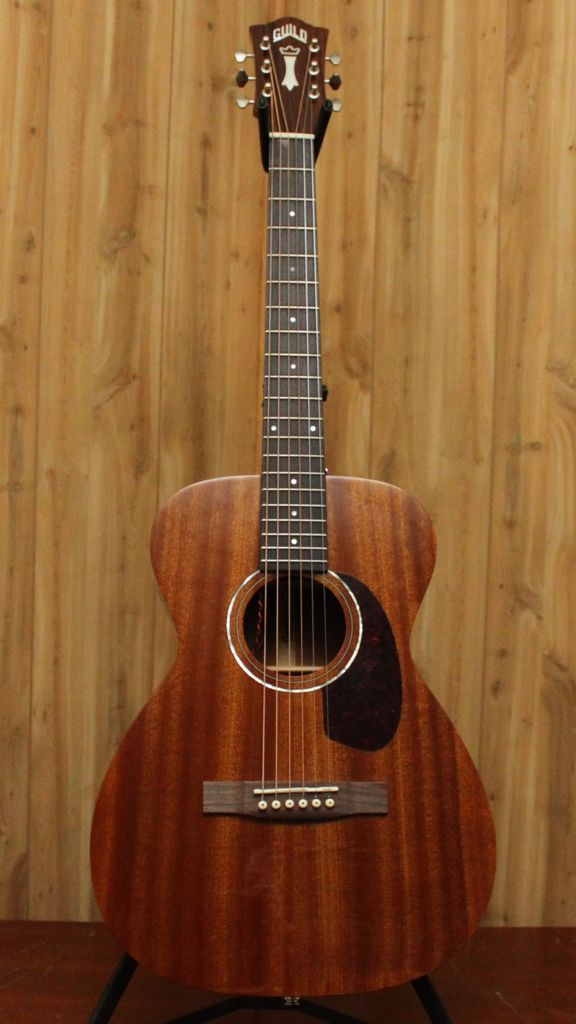 Guild Guild M-120E NAT w/ Case